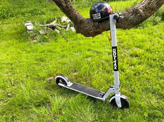 MakeUseOf GoTrax Xr Electric Scooter Giveaway